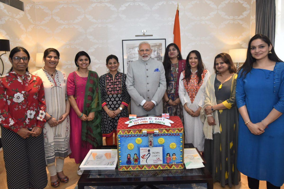 Indian Ladies UK took their message of Meta Padhao Beti Bachao to PM Modi. In the Piture: Valli, Rashmi Wali, Komal Hoskoti, PM Modi, Rajini Thangellapally, Aparna Sundar, Khushbu Patel, Shivani Tomar
